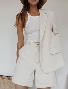 All-white summer blazer & shorts shorts shorts shorts shorts outfits shorts 80s Fashion, Look Fashion, Fashion Outfits, Womens Fashion, Fashion Clothes, Off White Fashion, Fashion Ideas, Fashion Tips, Clothes Women