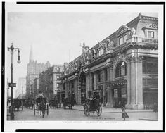 A Fifth Avenue stage, New York, ca. 1900
