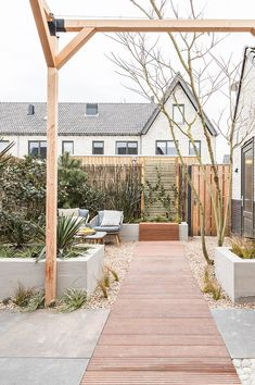 Pergola Ideas For Deck Outside Living, Outdoor Living, Back Gardens, Outdoor Gardens, Dream Garden, Home And Garden, Rooftop Garden, Exterior Design, Outdoor Spaces