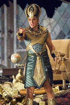Hank Azaria in Night at the Museum: Battle of the Smithsonian Ancient Egyptian Clothing, Ancient Egyptian Costume, Egyptian Party, Egyptian Fashion, Egyptian Queen, Egyptian Goddess, Night At The Museum, Anubis, Movie Costumes