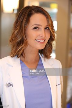 "S ANATOMY - Walt Disney Television via Getty Images's ""Grey's Anatomy"" stars Camilla Luddington as Jo Wilson. Grey's Anatomy, Greys Anatomy Jo, Camilla Luddington, Meredith Grey, Short Hair Cuts, Short Hair Styles, Nurse Hairstyles, Derek Shepherd, Corte Y Color"