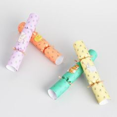 Easter Crackers 8  Count - v1