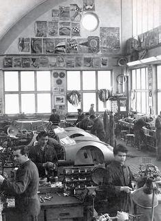 Porsche spyder workshop.