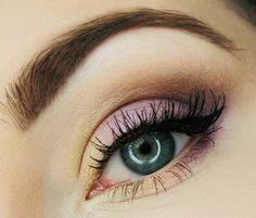 Grüne Augen - Schminkideen in gelb/rosa