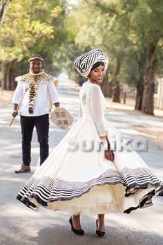 Xhosa Latest Xhosa Wedding Dresses - Sunika Traditional African Clothes Why Fuss Over Wedding Centre African Wedding Attire, African Attire, African Wear, African Dress, African Clothes, African Weddings, Latest African Fashion Dresses, African Print Fashion, Dress Fashion