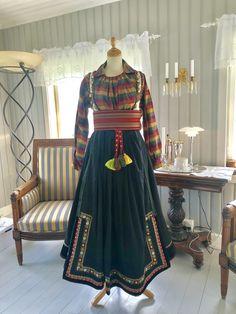 Victorian, Dresses, Fashion, Outfits, Vestidos, Moda, Fashion Styles, Dress, Fashion Illustrations