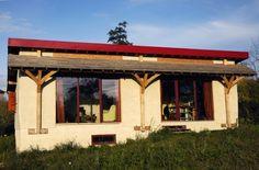 Maison bois et paille de plain pied, charpente traditionnelle