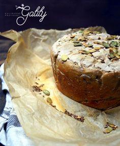 Kulinarne przygody Gatity - przepisy pełne smaku: Chleb pszenno-żytni na zakwasie z ziarnami