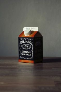 Jack Daniels Whiskey in milk carton.so cool! Absolut Vodka, Milk Packaging, Packaging Design, Product Packaging, Packaging Ideas, Jack Daniels No 7, Whiskey Girl, Tennessee Whiskey, Man Stuff