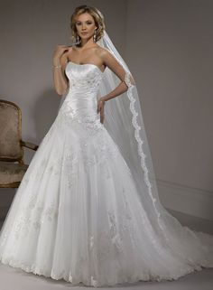 Primavera - Maggie Sottero If I get married I would love to wear this