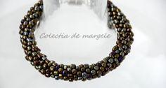 Montezuma's gold - corchet beading bracelet www.colectiademargele.ro Montezuma, Beaded Necklace, Beaded Bracelets, Beading, Crochet, Gold, Collection, Jewelry, Fashion