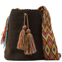 comprar bolso wayuu en madrid, wayuu, croche, bolsos hecho a mano, producto artesanal, bolsos tribales, tribalchic, tribal, bolso artesanal, bolso wayuu, bolsos wayuu, algodon, colombia, bolsos, hecho a mano Potli Bags, Art Bag, Tapestry Crochet, Trendy Accessories, Knitted Bags, Everyday Outfits, Tassel Necklace, Bucket Bag, Bohemian