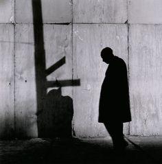Biografía, trayectoria y fotos del fotógrafo Yasuhiro Ishimoto. Repaso a su…