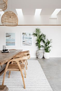 Home Living Room, Interior Design Living Room, Interior Decorating, Beach Interior Design, Dining Room Inspiration, Home Decor Inspiration, Bali Style Home, Estilo Interior, Style Deco