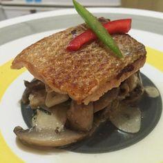 レシピとお料理がひらめくSnapDish - 3件のもぐもぐ - Sous vide salmon with ajillo mushrooms by Daniel Ollé