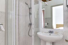 St Malo, Clawfoot Bathtub, Bathroom, Triple Room, Bedrooms, Washroom, Full Bath, Bath, Bathrooms
