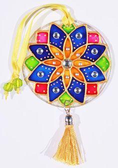 A Few Parchment Craft Mandala Patterns Mandala Art, Mandala Pattern, Cd Crafts, Recycled Crafts, Cd Art, Crafts For Seniors, Christmas Drawing, Hand Painted Ornaments, Button Art