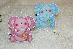 "Ballotin de dragées naissance "" bébé éléphant"" http://www.drageeparadise.fr/contenant-a-dragees-vide_29_contenant-dragee-bapteme-en-carton_contenant-a-dragees-bebe-elephant__250_1.html"