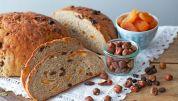 Brød med nødder og frugt
