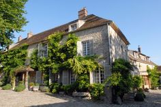 Holiday at Le Moulin, once the holiday home of the Duke & Duchess of Windsor Gif-sur-Yvette, Essonne, France - Sleeps 11+1