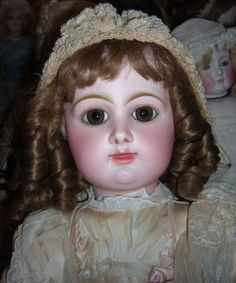 This is one of the most beautiful and clean Rabery Delphieu dolls I've ever seen. She is large, standing 32 tall. She has outstanding pale bisque Old Dolls, Antique Dolls, Vintage Dolls, Beautiful Dolls, Most Beautiful, Porcelain Dolls Value, Doll Painting, Pink Kids, Doll Costume