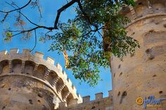 The Valencia's #Christian #medieval #wall had 12 gates to enter in the #city. The #Quart Towers is one of these. #Valencia #FollowValencia #enjoyValencia #TorresdeQuart #QuartTowers #liveValencia #IloveValencia #Spain #visitValencia #visitSpain
