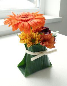 Leaf manipulation - Leaf vase ~ Andreas Verheijen » education
