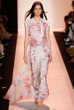 BCBG Max Azria Spring 2015 Ready-to-Wear Fashion Show - Mijo Mihaljcic