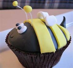 bee cupcake - choc frosting with yellow stripes