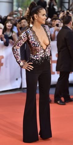 Halle Berry in Zuhair Murad at Kings Premiere During Toronto International Film Festival Halle Berry Body, Halle Berry Bikini, Halle Berry Pixie, Halle Berry Style, Hally Berry, Celebs, Celebrities, Zuhair Murad, Beautiful Actresses