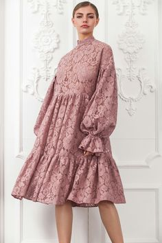 New Embroidery Wedding Dress Skirts 70 Ideas Muslim Fashion, Modest Fashion, Hijab Fashion, Fashion Dresses, Trendy Dresses, Cute Dresses, Casual Dresses, Dress Skirt, Lace Dress