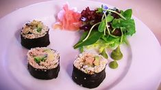cauliflower-sushi 6 nori sheets 1/2 a head of cauliflower 1/2 cup almonds 1 teaspoon tamari Juice of 1/2 a lemon FILLING OPTIONS – Fill each with a few strips of any of the fillings below or your favorite sandwich/wrap ingredients…  Avocado Cucumber Sprouts Smoked Salmon Chicken Tuna Egg Prawns Crab