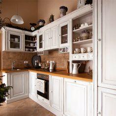 Kuchyně-bílá-s-patinou Diy Kitchen Storage, Beautiful Kitchens, My Dream Home, House Plans, Sweet Home, New Homes, Kitchen Cabinets, Cottage, Indoor