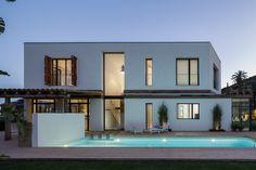 Ideas de #Exterior, Jardin, Piscina, estilo #Contemporaneo color  #Marron,  #Blanco, diseñado por 08023 - Arquitectura   Diseño   Ideas  #CajonDeIdeas