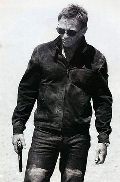 Quantum of Solace - James Bond #sunglasses http://www.smartbuyglasses.co.uk/i/celebrity-sunglasses-glasses/james-bond-sunglasses-file/