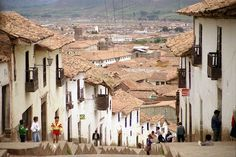 This street up towards the fortaleza de Sacsayhuaman.