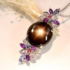 ラックスターサファイア13.6ct マルチカラーストーン ホワイトゴールド ネックレス Black Star sapphire http://www.rejou.jp/?pid=100824047