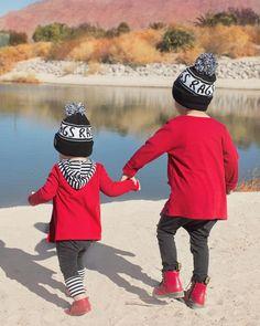 ❤️ such a loving, protective big bro. He's always lookin out for his Evie. #brothers #brotherlove #littleguys #sweetboysofmine #evanzander #ethankane #family #childhoodunplugged #momentsinmotherhood #momofboys #tagyourrags #RandomActsofGoodnesS Reposted Via @boymom2six
