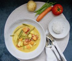 Curry aux haricots verts Le Curry, Menu, Dahl, Cantaloupe, Vegan, Fruit, Food, Green Beans, Dressing