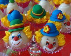 doces decorados patati patata - Pesquisa Google Frozen Birthday Party, Birthday Treats, Birthday Parties, Fondant Figures, Fondant Cakes, Cupcake Cakes, Cake Pops, Circus Cakes, Funny Cake