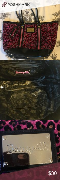 Betsy Johnson purse Betsy Johnson tote purse, great condition (minor scratches on gold plaque on front of bag, as pictured). Betsey Johnson Bags Totes