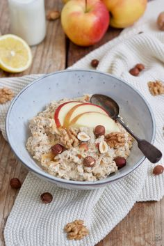 Original Bircher Müsli - Rezept - Sweets & Lifestyle® - Expolore the best and the special ideas about Budget freezer meals Healthy Juice Recipes, Healthy Recipes On A Budget, Cooking On A Budget, Clean Eating Recipes, Juicer Recipes, Budget Freezer Meals, Frugal Meals, Groceries Budget, Muesli Recipe