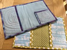 Inside the covers showing the lining and pockets. These just need some button holes to thread the elastic and then the pages Buttonholes, Book Covers, Pockets, Wallet, Handmade Purses, Cover Books, Purses, Diy Wallet, Purse