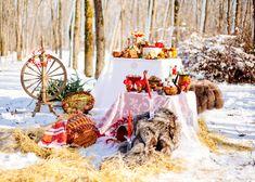 Russian winter wedding inspiration Khokhloma decoration