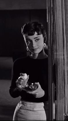 Audrey Hepburn Pictures, Aubrey Hepburn, Audrey Hepburn Inspired, Audrey Hepburn Style, Sabrina Audrey Hepburn, Audrey Hepburn Wallpaper, Hollywood Glamour, Classic Hollywood, Old Hollywood