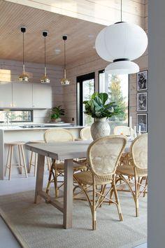 Nordic Kitchen, Kitchen Living, Kitchen Decor, Log Home Interiors, Modern Interior, Interior Design, Interior Photography, House Rooms, Living Spaces