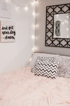 TEEN GIRL BEDROOM IDEAS AND DECOR - HOW TO STAY AWAY FROM CHILDISH