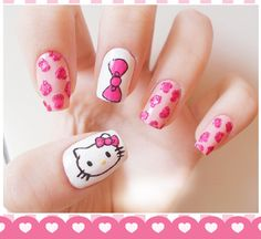 uñas decoradas Hello Kitty