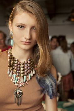 this ombre with dannijo jewelry go hand with hand