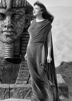 "samwanda: "" deforest: "" Claudette Colbert on the set of Cleopatra (1934) "" """